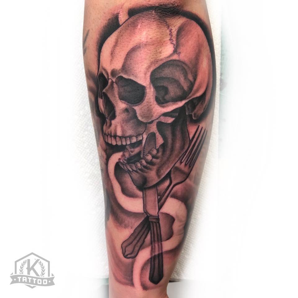 blackandgrey_skull_knife_fork